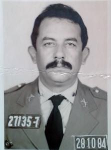 Nos anos 80, no melhor estilo Sargento Garcia com o bigodão.